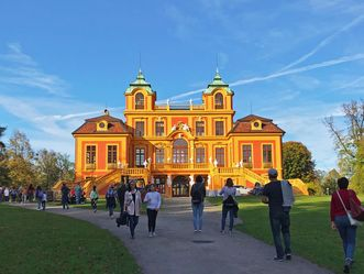 Schloss Favorite Ludwigbsurg, Besucher im Park