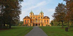 Schloss Favorite Ludwigsburg von Süden am Ende der Hauptachse.